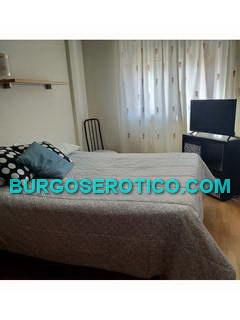 Una habitacion - 660530380 - Una habitación, con baño.